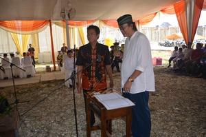 Ketua Yayasan Sabilillah Lamongan mengajukan pertanyaan kepada wisudwan dan wisudawati MIUS