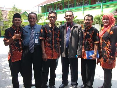Tim assesor bersama Pengurus Madrasah
