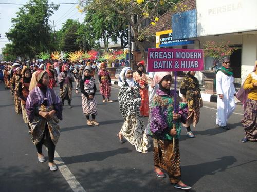 Kreasi Batik dan Hijab