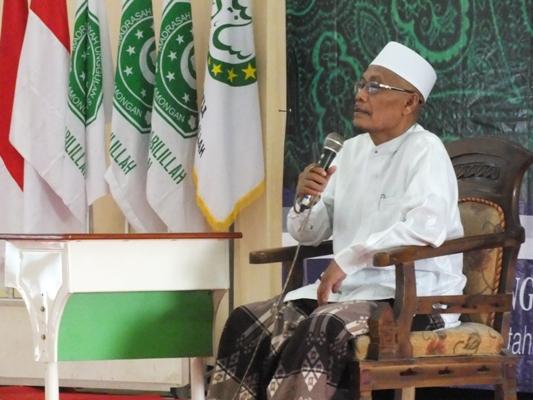 KH. Ali Imron Memberikan Ceramah Agama