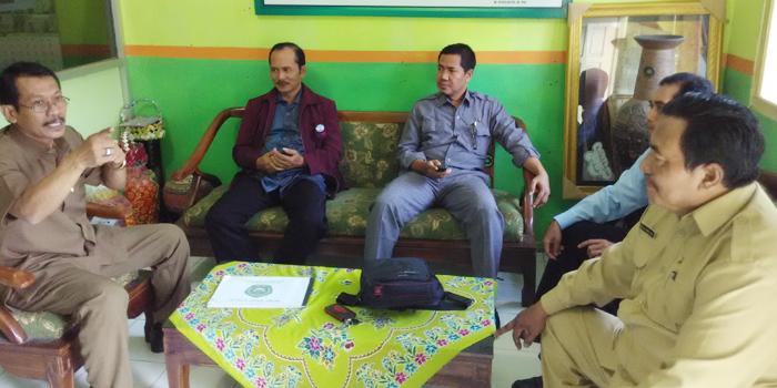 Kepala Madrasah, PPAI Kec. Lamongan dan Koordinator USAID Kab. Lamongan