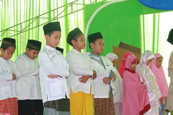 Praktek Sholat Makmum Masbuq