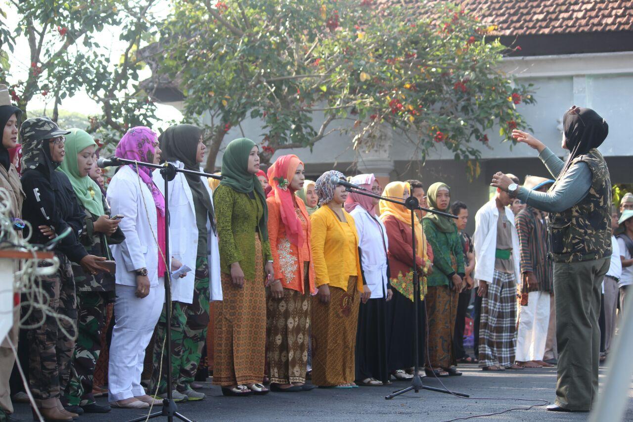 Group Paduan Suara oleh paguyuban wali murid MIUS