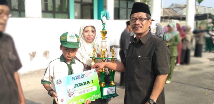 Alhamdulillah Siswa MIUS Berhasil Raih Juara 1 Lomba Rumah Perkalian Tingkat Jawa Timur di UNESA