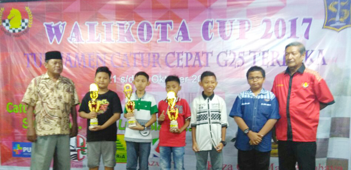 Pecatur MIUS Berhasil Keluar Sebagai Juara 3 Kejuaraan Catur Walikota Cup di Surabaya